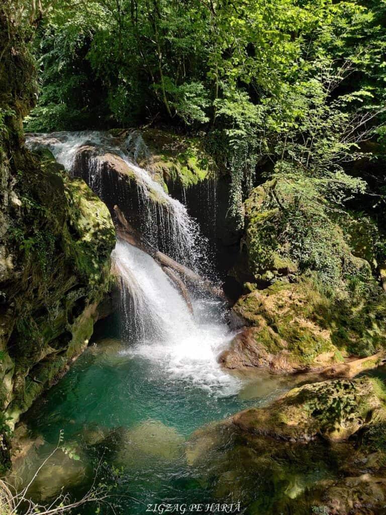 Lacul Ochiul Bei, Cascada Văioaga, Cascada Beușnița, La Tunele și Lacul Dracului - Blog de calatorii - ZIGZAG PE HARTĂ - IMG 20200727 151732 1