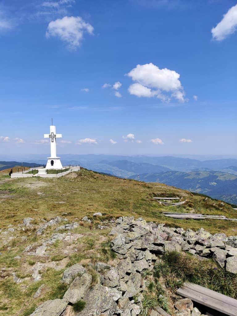 Vârful Giumalău 1858 metri - Blog de calatorii - ZIGZAG PE HARTĂ - IMG 20200806 120206