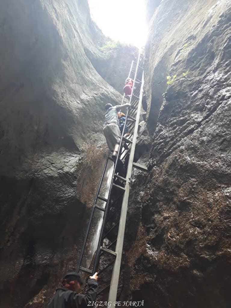 Canionul 7 Scări din Munții Piatra Mare - Blog de calatorii - ZIGZAG PE HARTĂ - 20190617 121825