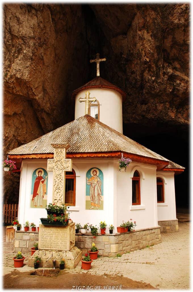 Peștera Ialomiței, un obiectiv turistic spectaculos - Blog de calatorii - ZIGZAG PE HARTĂ - DSC 3448