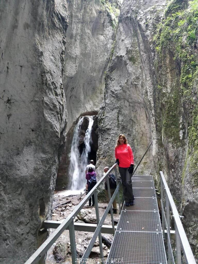 Canionul 7 Scări din Munții Piatra Mare - Blog de calatorii - ZIGZAG PE HARTĂ - IMG 20180922 105809