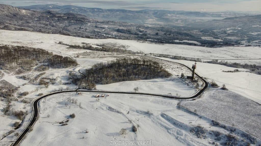Vârful Becheci 1080m - Blog de calatorii - ZIGZAG PE HARTĂ - Photo 6554065 DJI 465 jpg 4365749 0 2021110115752 photo original 01