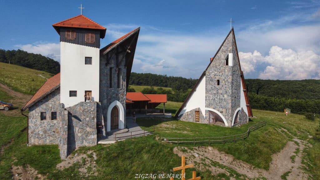 Vârful Becheci 1080m - Blog de calatorii - ZIGZAG PE HARTĂ - org a8631c7965d1b217 1593356716000 01