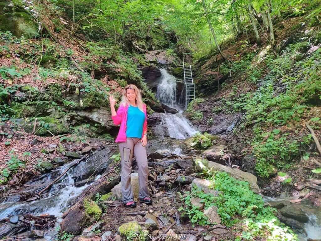 Cascada Cheilor din Valea Cormaia - Blog de calatorii - ZIGZAG PE HARTĂ - IMG 20210710 WA0002 01 1
