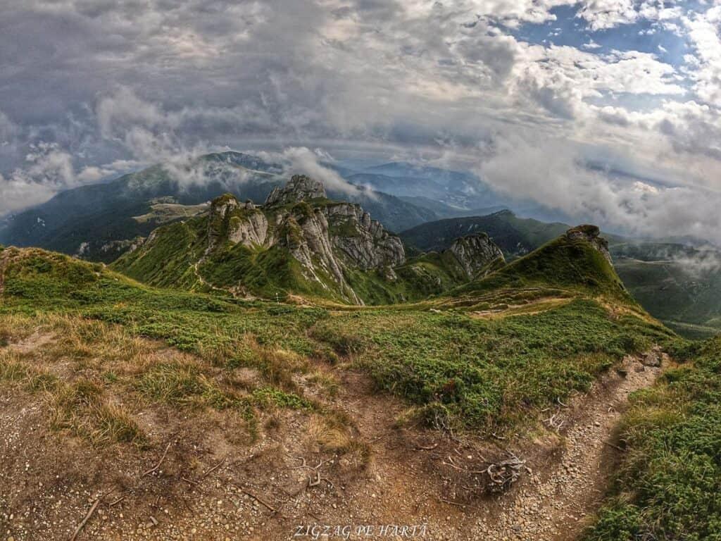 Vârful Ciucaș, 1954 metri - Blog de calatorii - ZIGZAG PE HARTĂ - GOPR1161 1629295510788 01