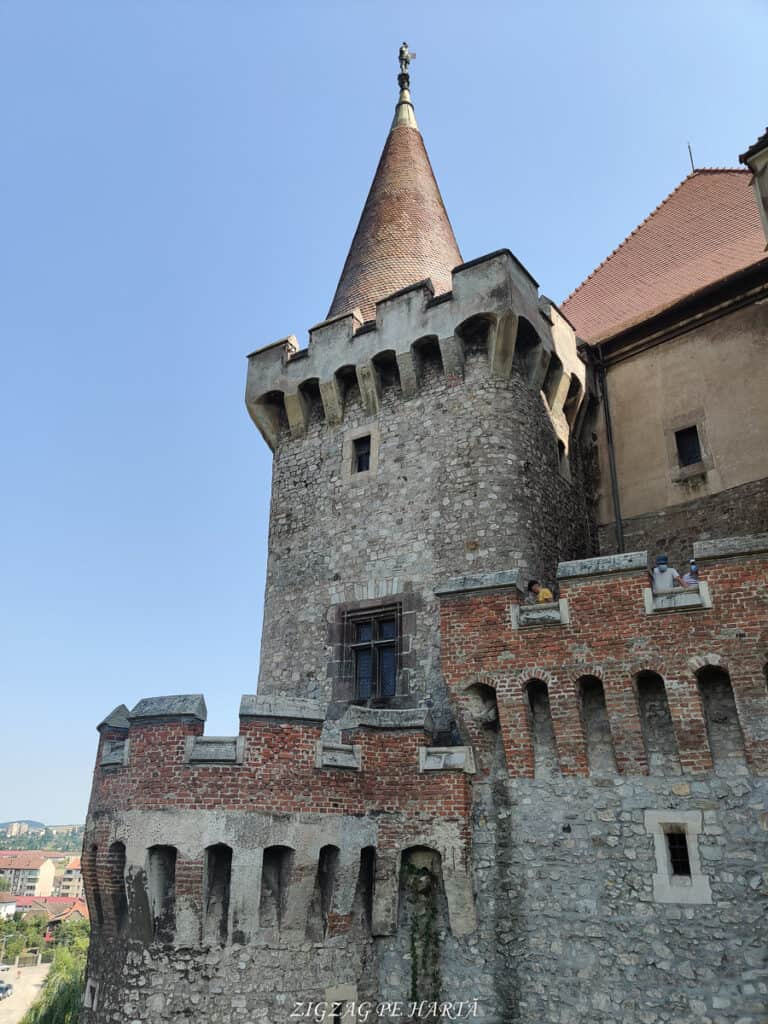 Castelul Corvinilor - Blog de calatorii - ZIGZAG PE HARTĂ - IMG 20210809 145822