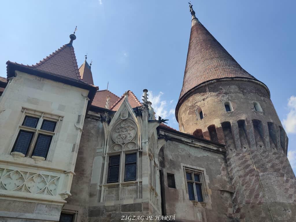 Castelul Corvinilor - Blog de calatorii - ZIGZAG PE HARTĂ - IMG 20210809 152426