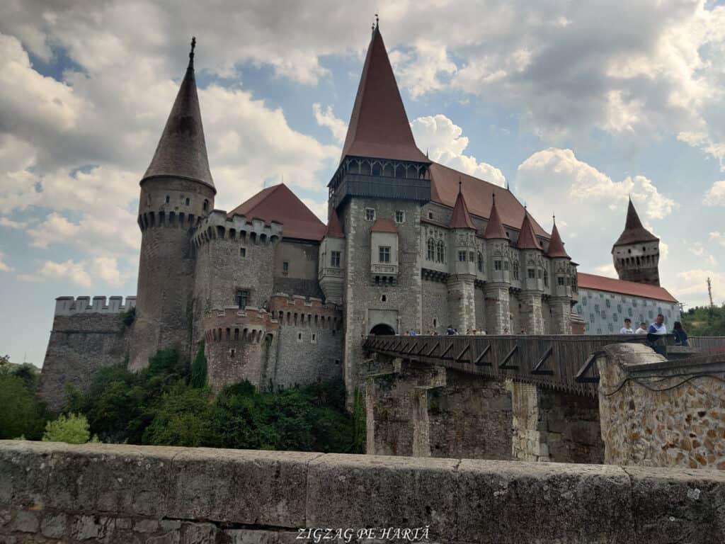 Castelul Corvinilor - Blog de calatorii - ZIGZAG PE HARTĂ - IMG 20210809 160045