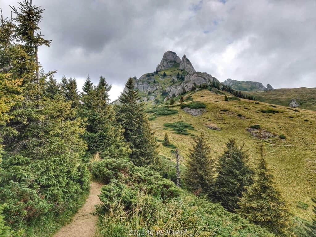 Vârful Ciucaș, 1954 metri - Blog de calatorii - ZIGZAG PE HARTĂ - IMG 20210818 135034 01