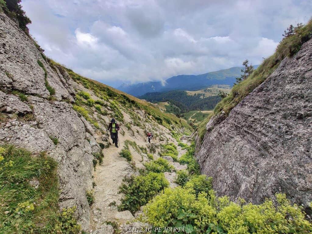 Vârful Ciucaș, 1954 metri - Blog de calatorii - ZIGZAG PE HARTĂ - IMG 20210818 140957 01