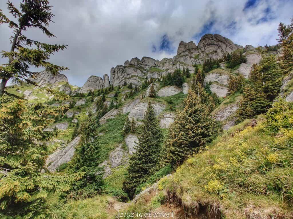 Vârful Ciucaș, 1954 metri - Blog de calatorii - ZIGZAG PE HARTĂ - IMG 20210819 124749 01