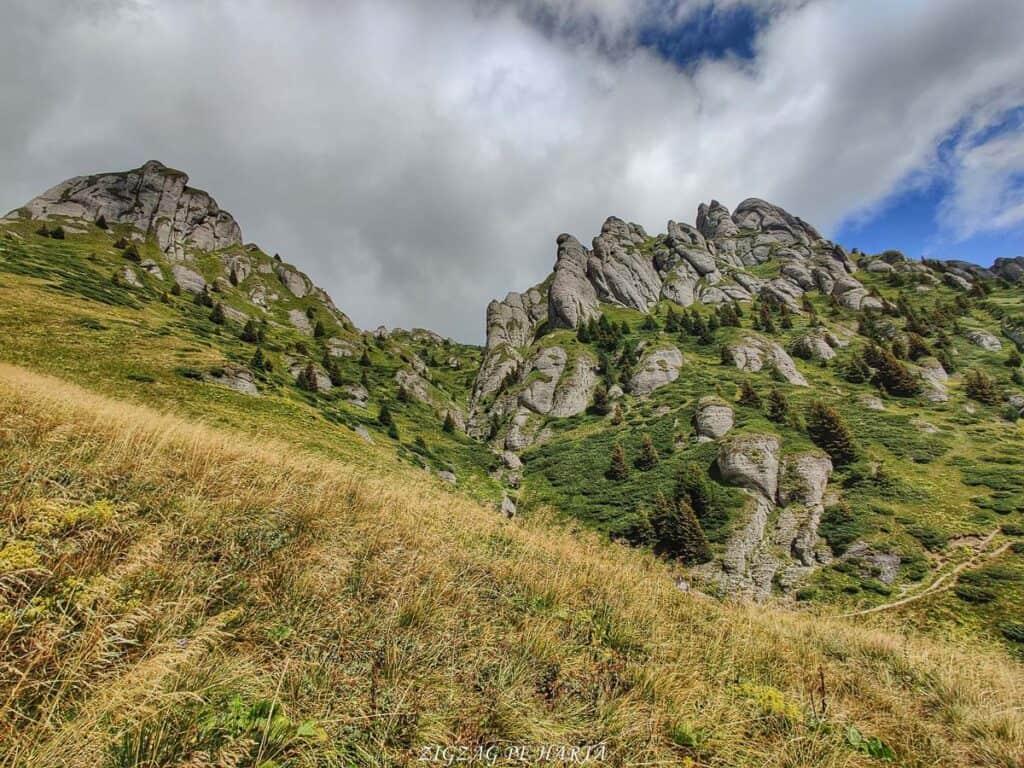 Vârful Ciucaș, 1954 metri - Blog de calatorii - ZIGZAG PE HARTĂ - IMG 20210819 130420 01