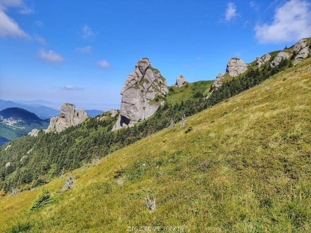 Vârful Ciucaș, 1954 metri - Blog de calatorii - ZIGZAG PE HARTĂ - IMG 20210820 114102 01